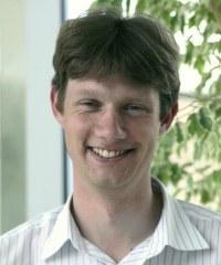 Dr Andrew  Jardine